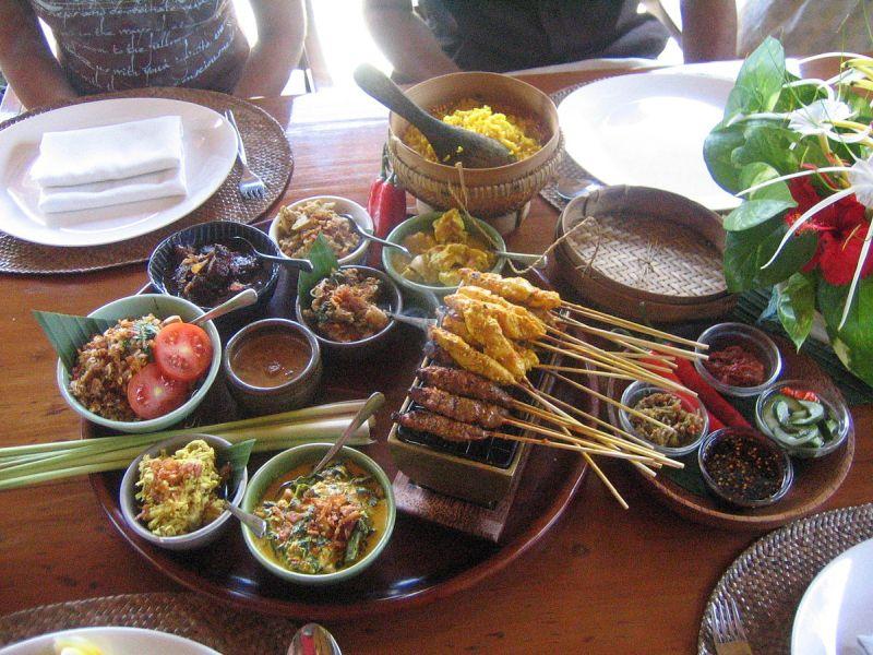 1200px-Bali_cuisine