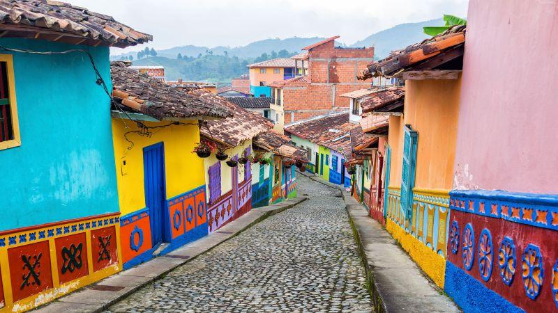 2Colombia-Medellin-Cobblestone-Street-IS-38615370-Lg-RGB