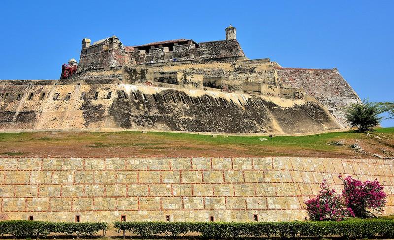 BIG_Colombia-Cartagena-Castillo-San-Felipe-Outer-Wall_15373961611462
