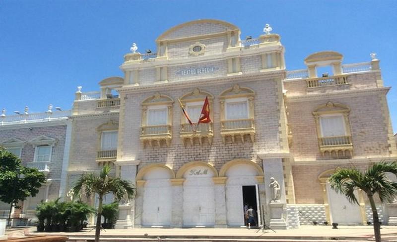 BIG_teatro-adolfo-mejia-teatro_15373965121463