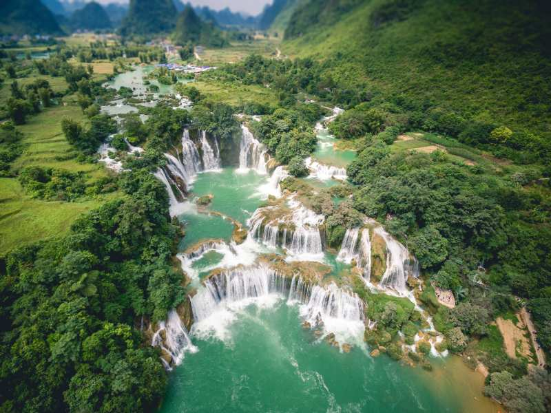 Bangioc-Detian-waterfall-from-drone-in-Caobang-Vietnam