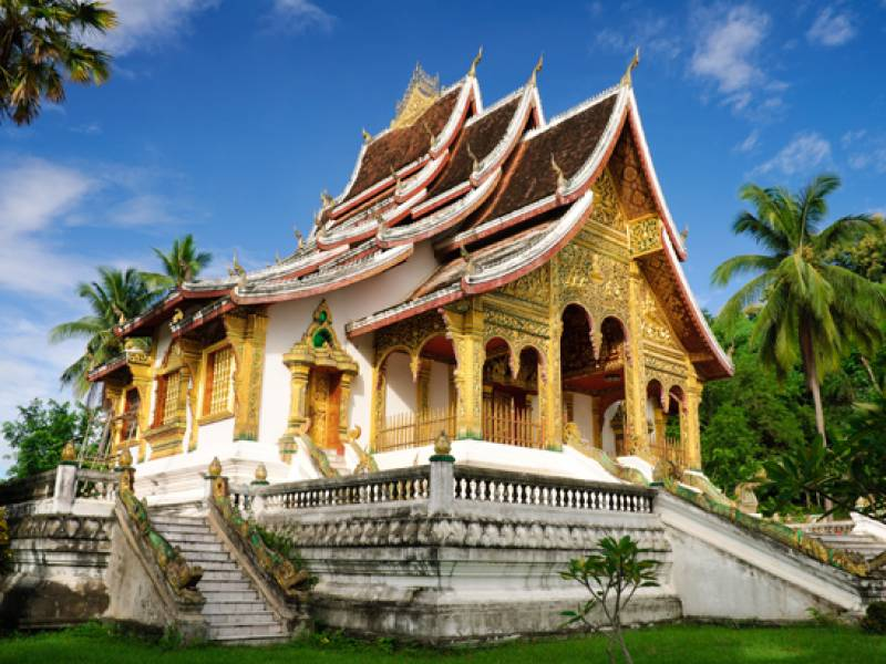 Luang-Prabang-temple--Best-time-to-visit-Laos--On-The-Go-Tours-326071478791911_crop_800_600