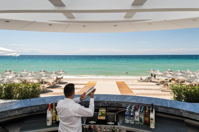 10_Beach-bar-Dining-Bars-1